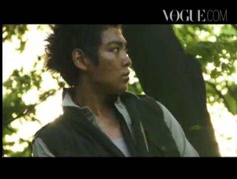 【和訳追加】タプ@VOGUE interview&撮影現場映像|SE7EN Seas ♪.flv_000158539