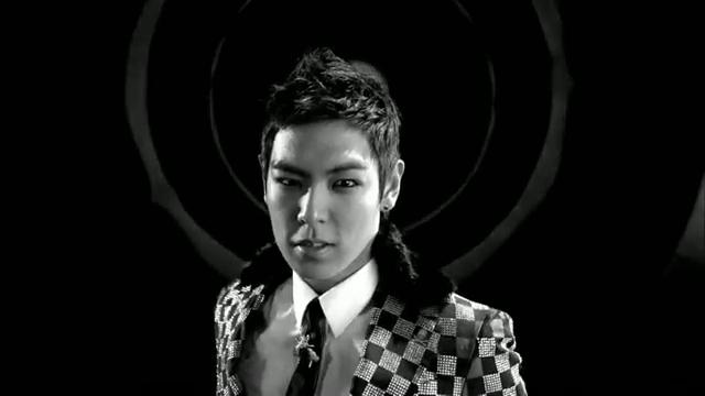 MV Full HD l T.O.P - Turn It Up「K-Pop June 2010」.flv_000027041