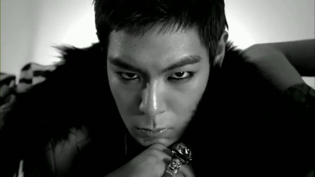 MV Full HD l T.O.P - Turn It Up「K-Pop June 2010」.flv_000037671