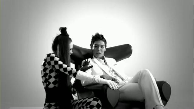 MV Full HD l T.O.P - Turn It Up「K-Pop June 2010」.flv_000049069
