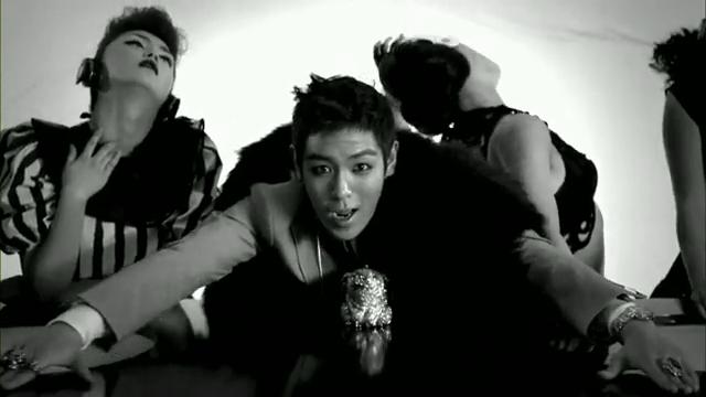 MV Full HD l T.O.P - Turn It Up「K-Pop June 2010」.flv_000068122