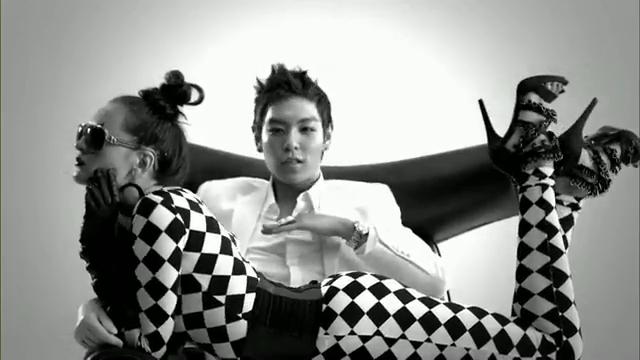 MV Full HD l T.O.P - Turn It Up「K-Pop June 2010」.flv_000077448