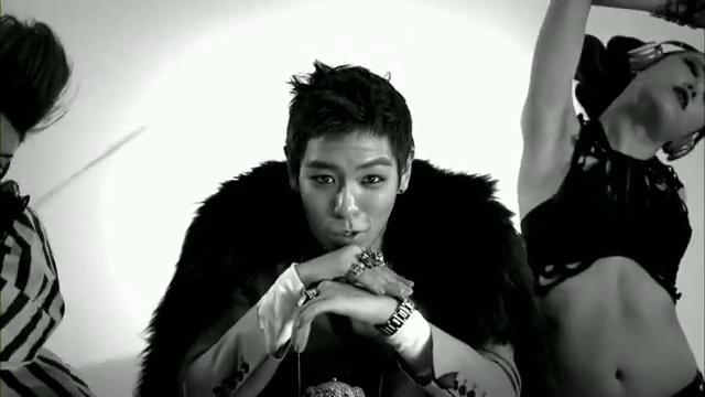 MV Full HD l T.O.P - Turn It Up「K-Pop June 2010」.flv_000092757