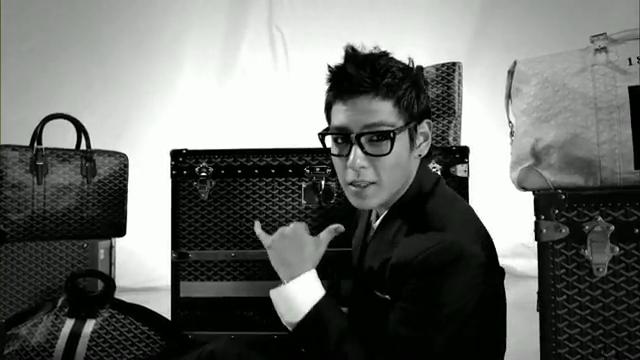MV Full HD l T.O.P - Turn It Up「K-Pop June 2010」.flv_000112912