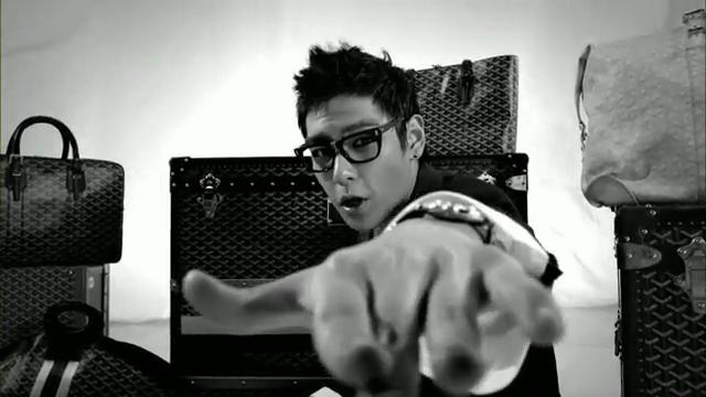 MV Full HD l T.O.P - Turn It Up「K-Pop June 2010」.flv_000115052