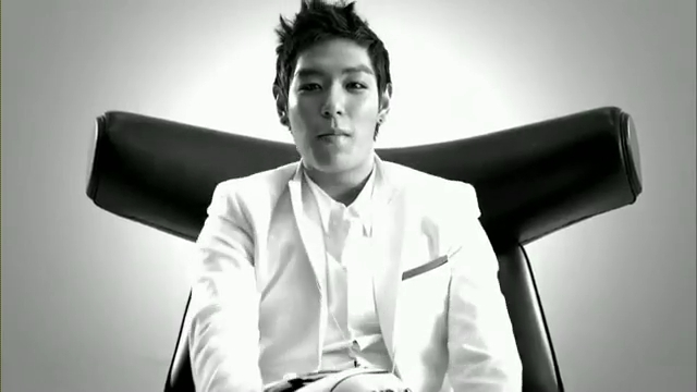 MV Full HD l T.O.P - Turn It Up「K-Pop June 2010」.flv_000125547