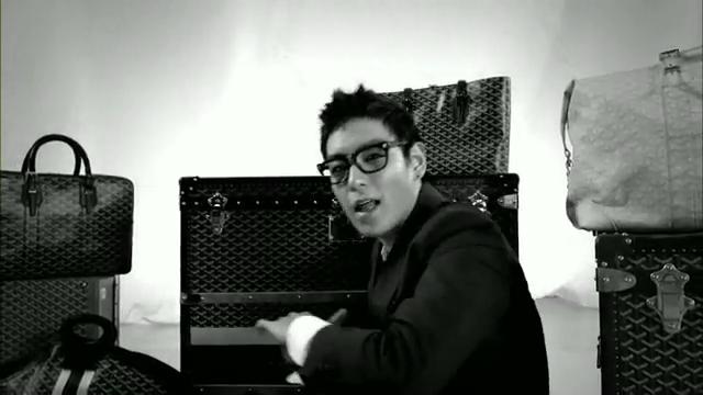MV Full HD l T.O.P - Turn It Up「K-Pop June 2010」.flv_000128790