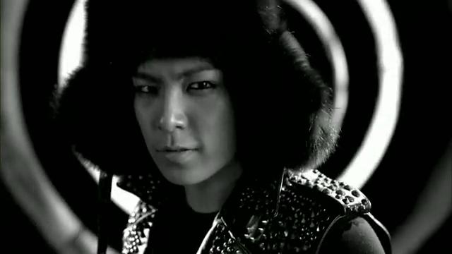 MV Full HD l T.O.P - Turn It Up「K-Pop June 2010」.flv_000145101