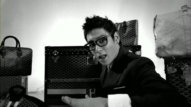 MV Full HD l T.O.P - Turn It Up「K-Pop June 2010」.flv_000162316