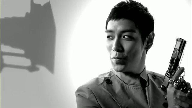 MV Full HD l T.O.P - Turn It Up「K-Pop June 2010」.flv_000172878