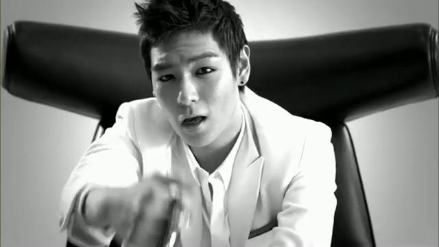 MV Full HD l T.O.P - Turn It Up「K-Pop June 2010」.flv_000197313