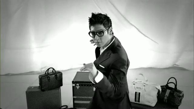 MV Full HD l T.O.P - Turn It Up「K-Pop June 2010」.flv_000194003