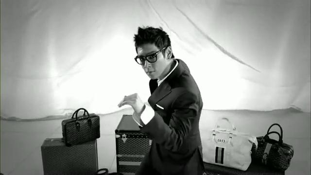 MV Full HD l T.O.P - Turn It Up「K-Pop June 2010」.flv_000194171