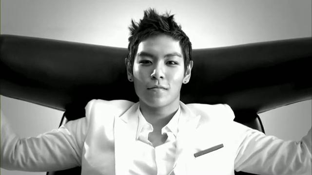 MV Full HD l T.O.P - Turn It Up「K-Pop June 2010」.flv_000212120