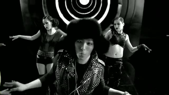 MV Full HD l T.O.P - Turn It Up「K-Pop June 2010」.flv_000205435