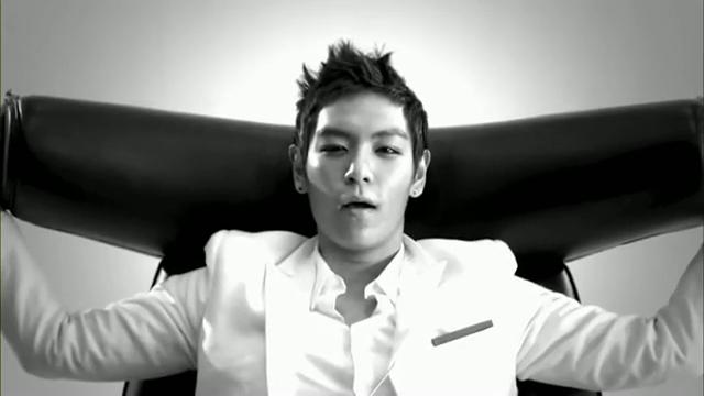 MV Full HD l T.O.P - Turn It Up「K-Pop June 2010」.flv_000209145