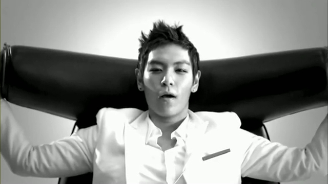 MV Full HD l T.O.P - Turn It Up「K-Pop June 2010」.flv_000208978