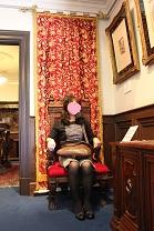 さたーんの椅子右