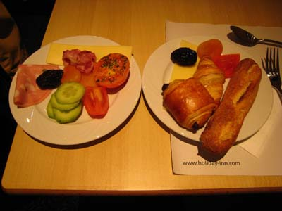 仏2日目朝食
