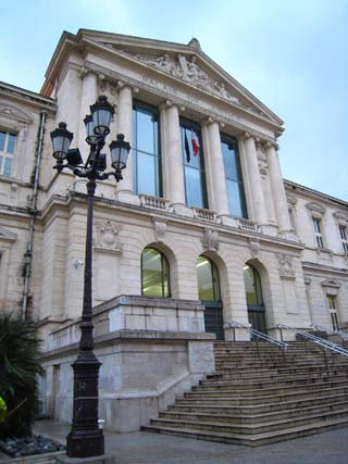 ニース裁判所