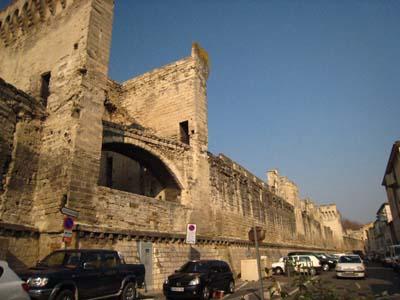 アビニヨンの壁
