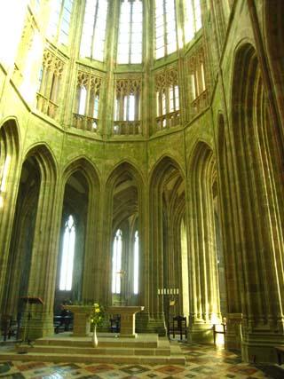 モンサン中の聖堂ぽい空間