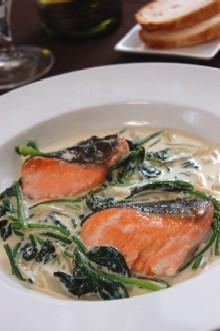 ほうれん草と鮭の簡単クリーム煮
