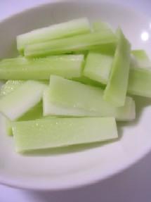 ブロッコリーの茎も使って、栄養満点☆