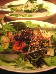 十品目のナムルサラダと水菜のシャキシャキサラダ