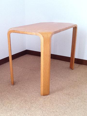 乾三郎テーブル