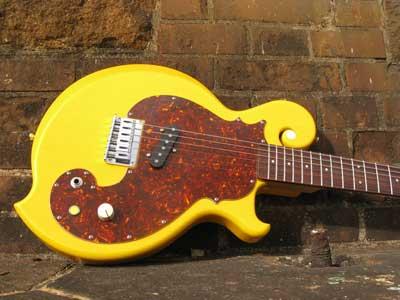 ギターピックガード