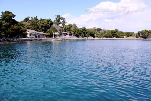 大瀬崎海岸と神社