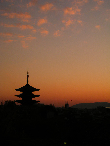 京都らしい夕焼けですね