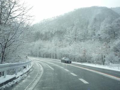 1.トンネルと抜けるとそこは雪国