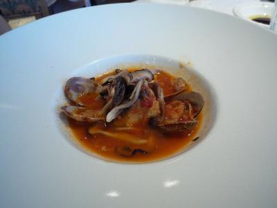 7 サワラとアサリ、茸のグアッツェット ローズマリー風味