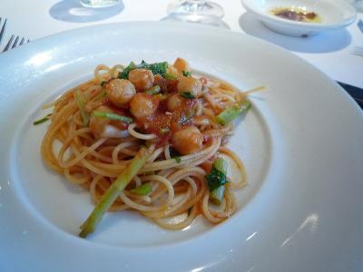 7 小柱と根みつば、トマトのスパゲティーニ
