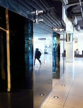スカイラウンジエレベーター