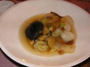 白菜とりんごin soup dish
