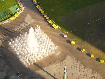 *市庁前の噴水*