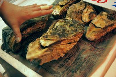 20110626 境港水産物直売センター 岩牡蠣