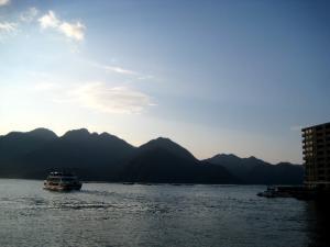08.11.29  宮島・大江の貝殻塚探訪 003