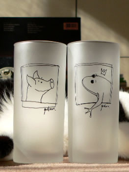 カエルのグラスとブタさんのグラス