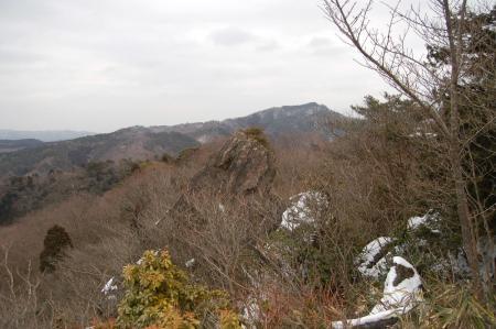22御岩山頂からの神峰山