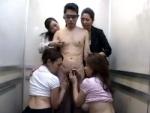 川上ゆう 他 : SEXY 4 痴熟女!どこを向いても美熟女ばかり! 四人の痴女に犯された!