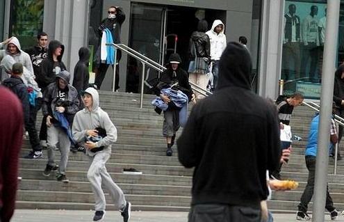 イギリスの暴動1