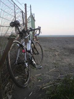 2010.04.29平塚海 風強くて砂がこのあと大変