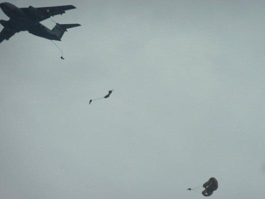 落下傘P1200177