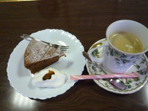 ケーキとコーヒーP1030216