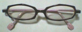 アン・バレンタインのメガネ