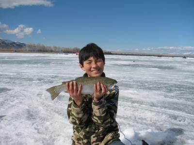 ICE FISHING j